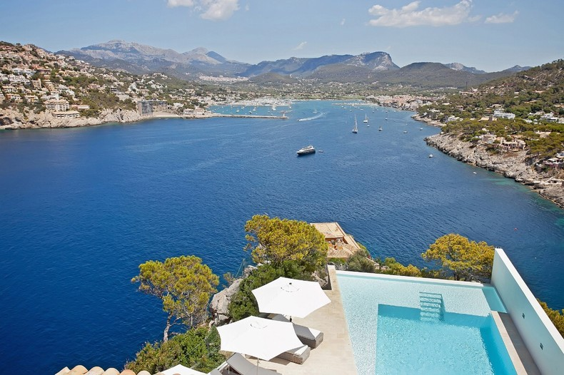 Villa for sale in La Mola, Mallorca.