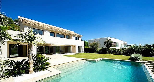 34093 - Contemporary villa by Marcos Sainz in Los Arqueros - Marbella