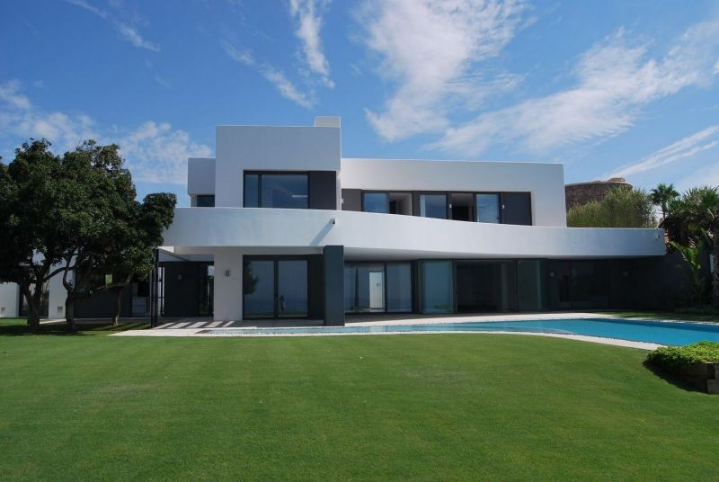 contemporary beach and golf villa Guadalmina
