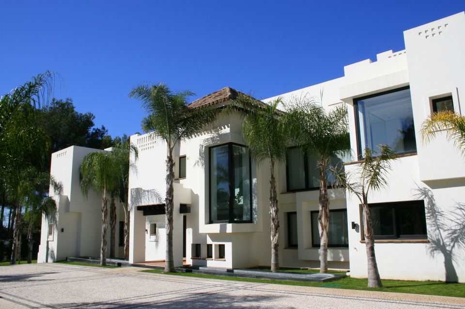 contemporary new build villa for sale in Guadalmina
